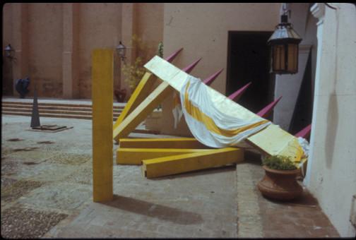 Exposicion Detras de la fachada. luz y oficios La Habana. 1986