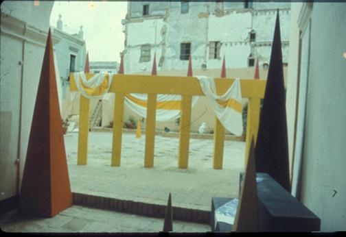 Exposicion Detras de la fachada. luz y oficios. La Habana. 1986