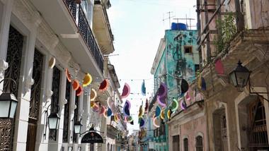 Street Bunting, Havana, Cuba