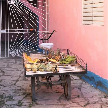 Fruit & veg vendor, Camagüey, Cuba