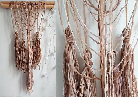 Atelier Upcycling : Suspensions Florales et Murales à partir de collant