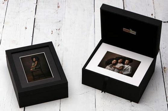 premium-window-10x8XL-folio-box-with-USB