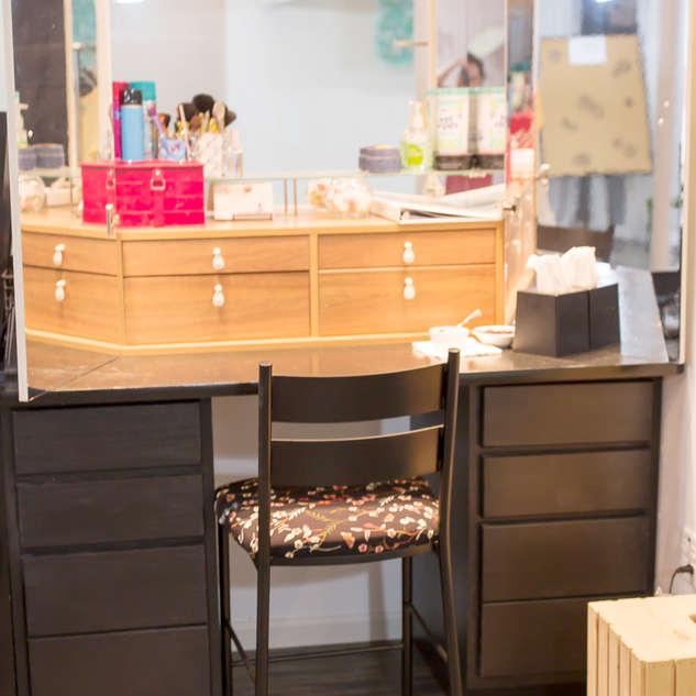 Makeup Station Photo Studio