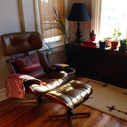 Item: Eames style chair