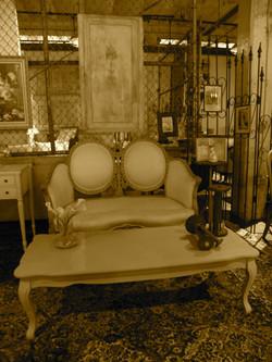 Parlor Room Settee
