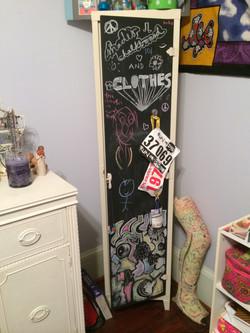 Item: Standing locker