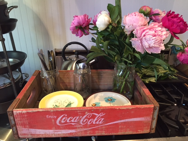 Item: CocaCola crate and dishes