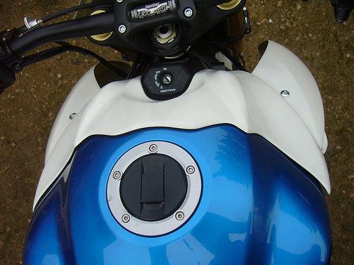 Capot réservoir GSX 1000S L15-L18