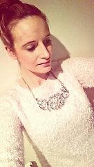 Beautfiul Necklace blogging about fashion