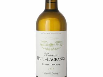 Prise de vue en packshot de bouteille de Pessac-Léognan