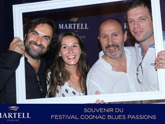 Studio photocall dans l'Espace d'un Cognac premium pendant le Festival Cognac Blues Passions
