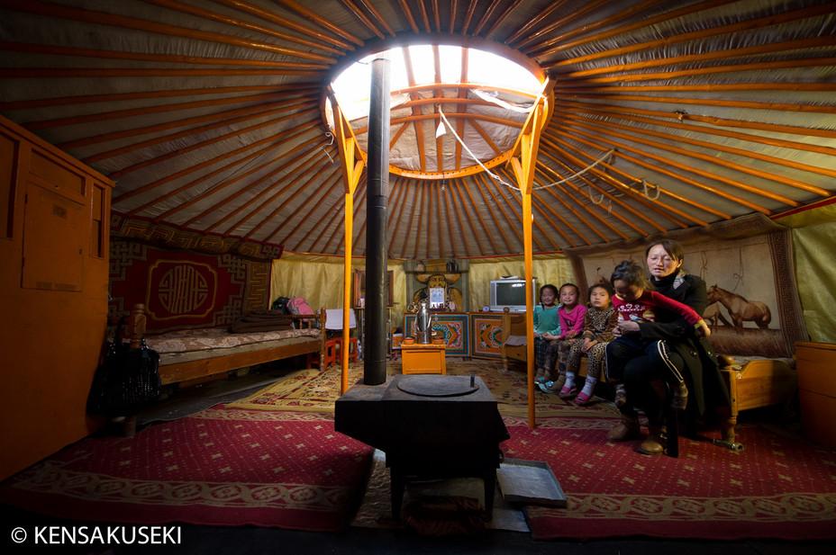 モンゴルの移動式住居ゲル
