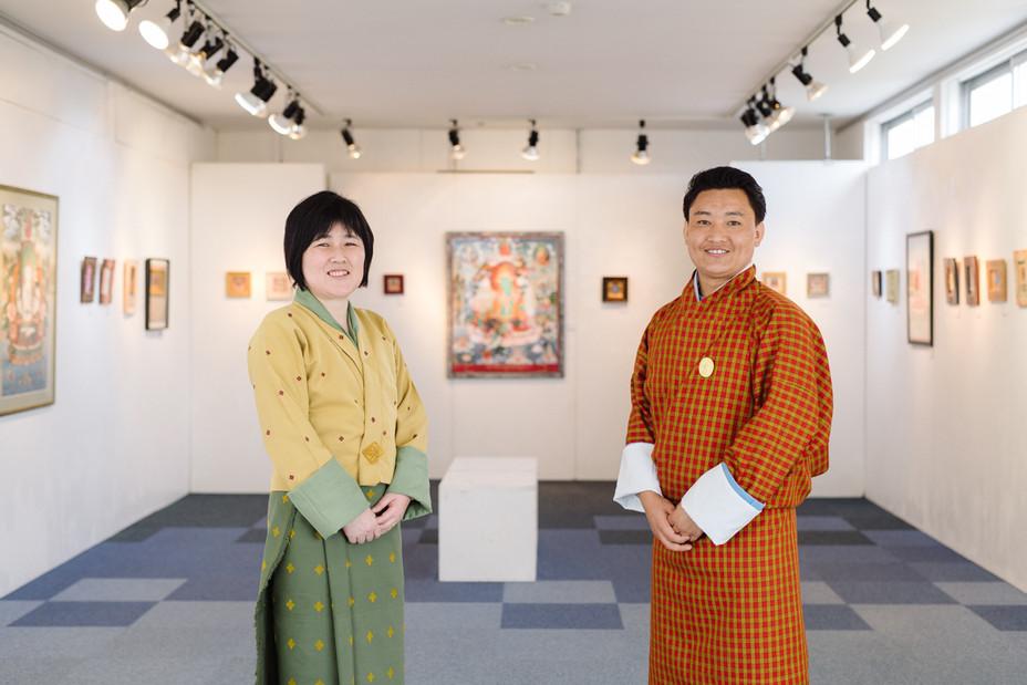 ブータン伝統美術工房2人による「幸せのカタチ展」へ