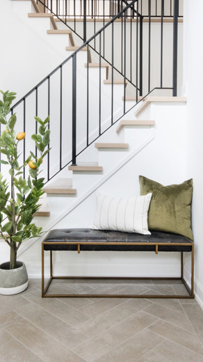 5 Tips to Style Your Entryway