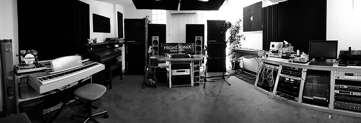 Control-Room-Panoramic-04.jpg