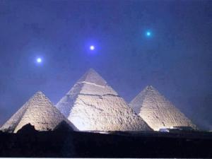 sacre_pyramide-af259