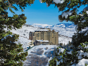 2020 Top Ski Lodge & Resort Picks
