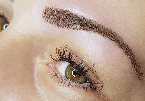 Poil à poil maquillage permanent sourcil