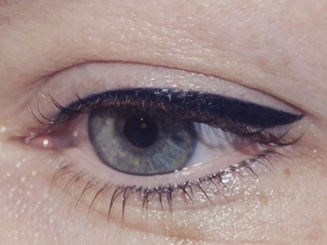 Classique_Eye_liner_maquillage yeux
