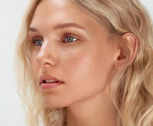 Maquillage permanent Tâches de rousseur