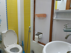 Toilet 10