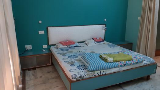 Master Bed Room 1 (3).jpg
