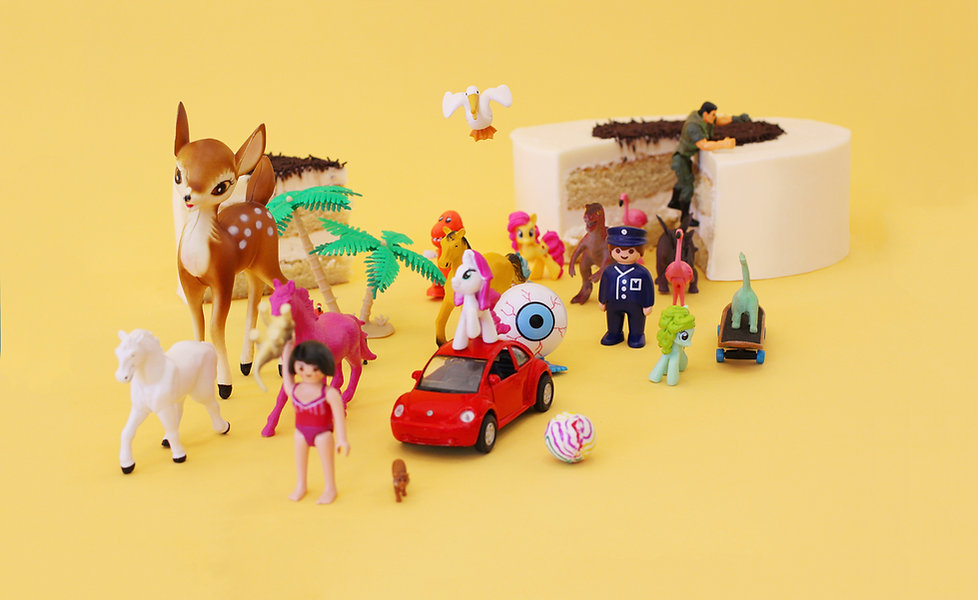 Cake Toppers & Figurines