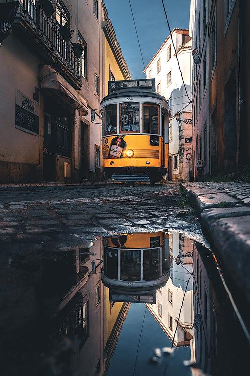 Europa - Straßenbahn in Alfama