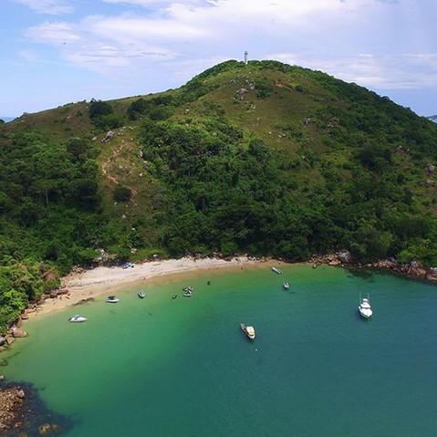 Apoio ao projeto de recuperação ambiental e ordenamento dos usos na Ilha do Bom Abrigo, litoral sul de São Paulo