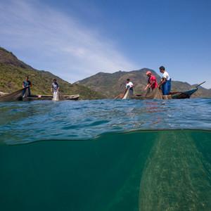 Baía da Ilha Grande – pesca de cerco flutuante na Ponta da Juatinga