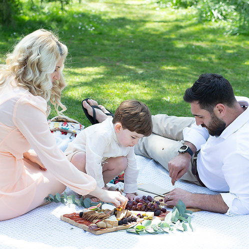 Summer photoshoot and WildFIG grazing board for 4