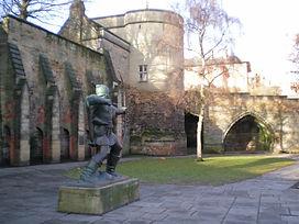 Robin Hood statue 090111 600x450px.jpg