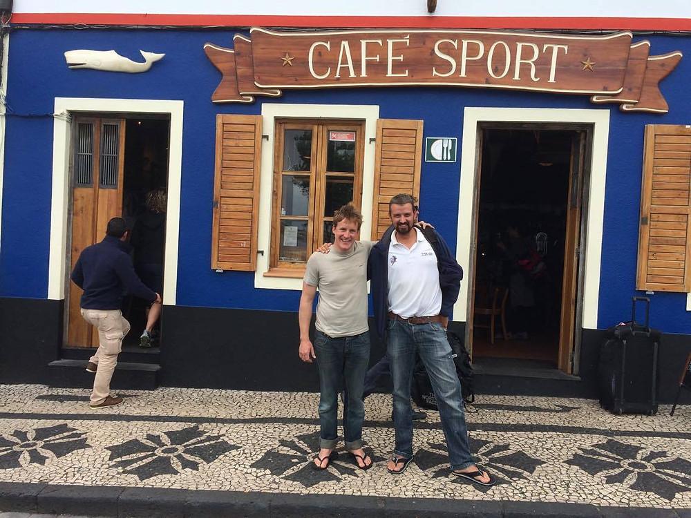 Lorsqu'on rencontre un ami aux Açores et qu'il fait escale pour 24h comme nous !