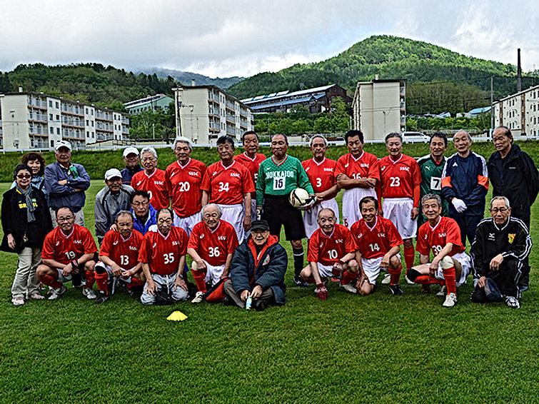 team_02.jpg札幌シニアサッカークラブの2.jpg