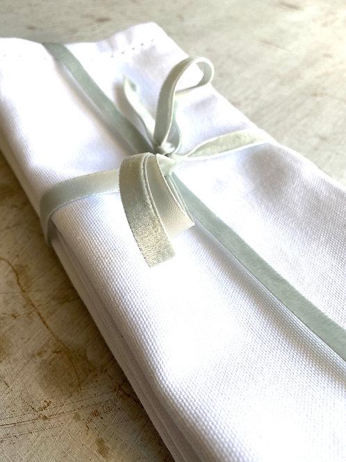 4 x White Linen Napkins