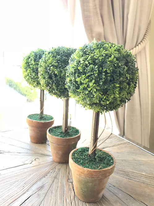 Faux Topiary Standard