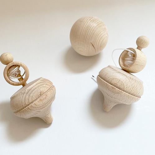 Holz-Kreisel mit Ring aus Buchenholz