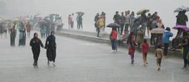 Mumbaikars enjoy heavy rainfall