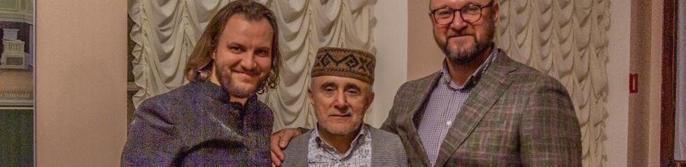 Организаторы фестиваля Dairafest Игорь Панков и Денис Кучеров с Алимом Гасымовым
