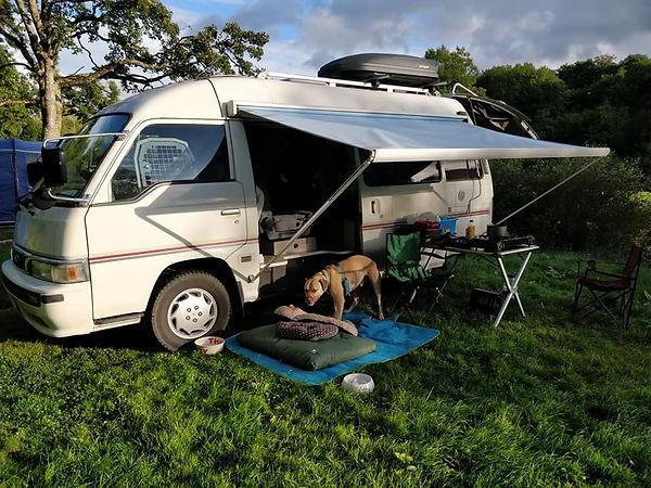 EXP52-Mudd&Knobblies-Campervan outside s