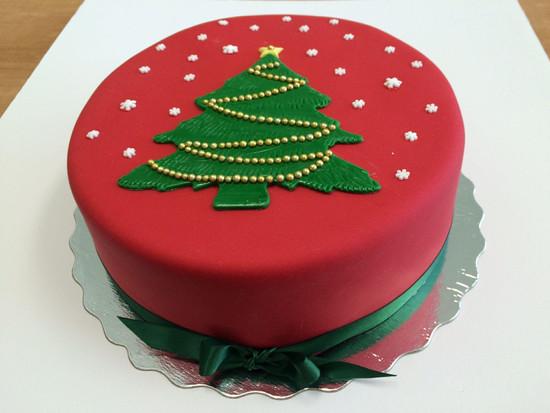 Christmas Tree Cake 2.jpg