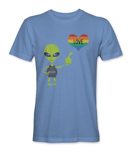 """Alien """"I believe"""" in love"""