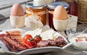 breakfast (in bed)