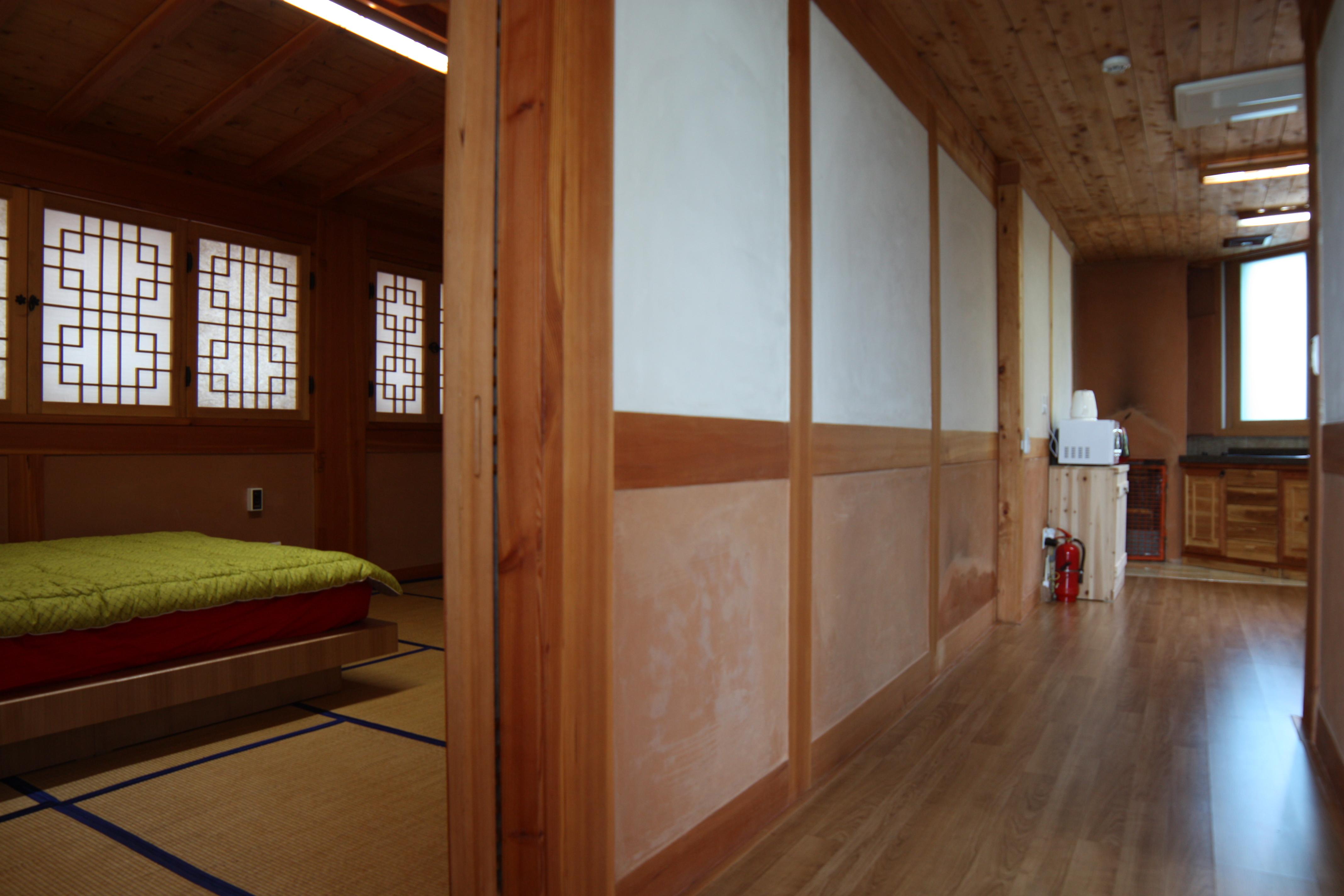 2층 가족룸 복도