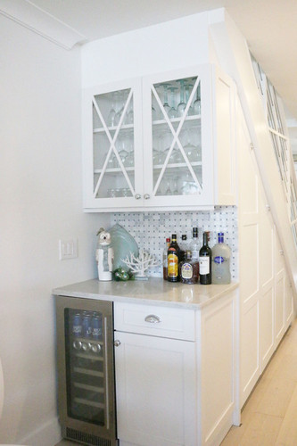 beach-style-home-bar.jpg