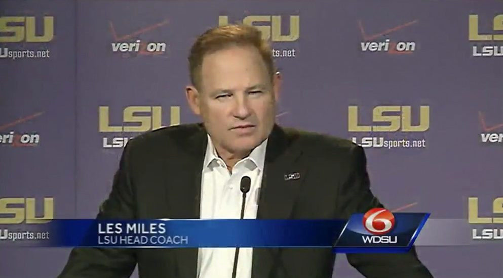 les miles head football coach lsu endorses hyperbaric oxygen therapy for concussions