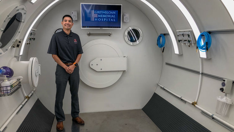 Laren Tan, MD hyperbaric oxygen therapy doctor inside grey's anatomy on-set hyperbaric chamber