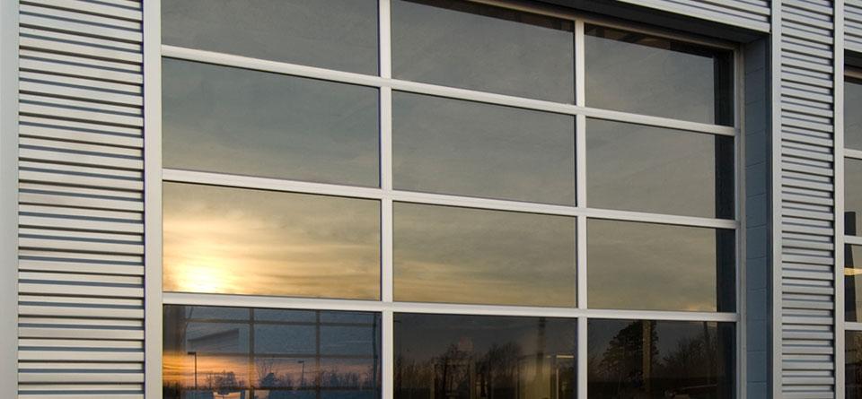 aluminum-fullview-commercial-door