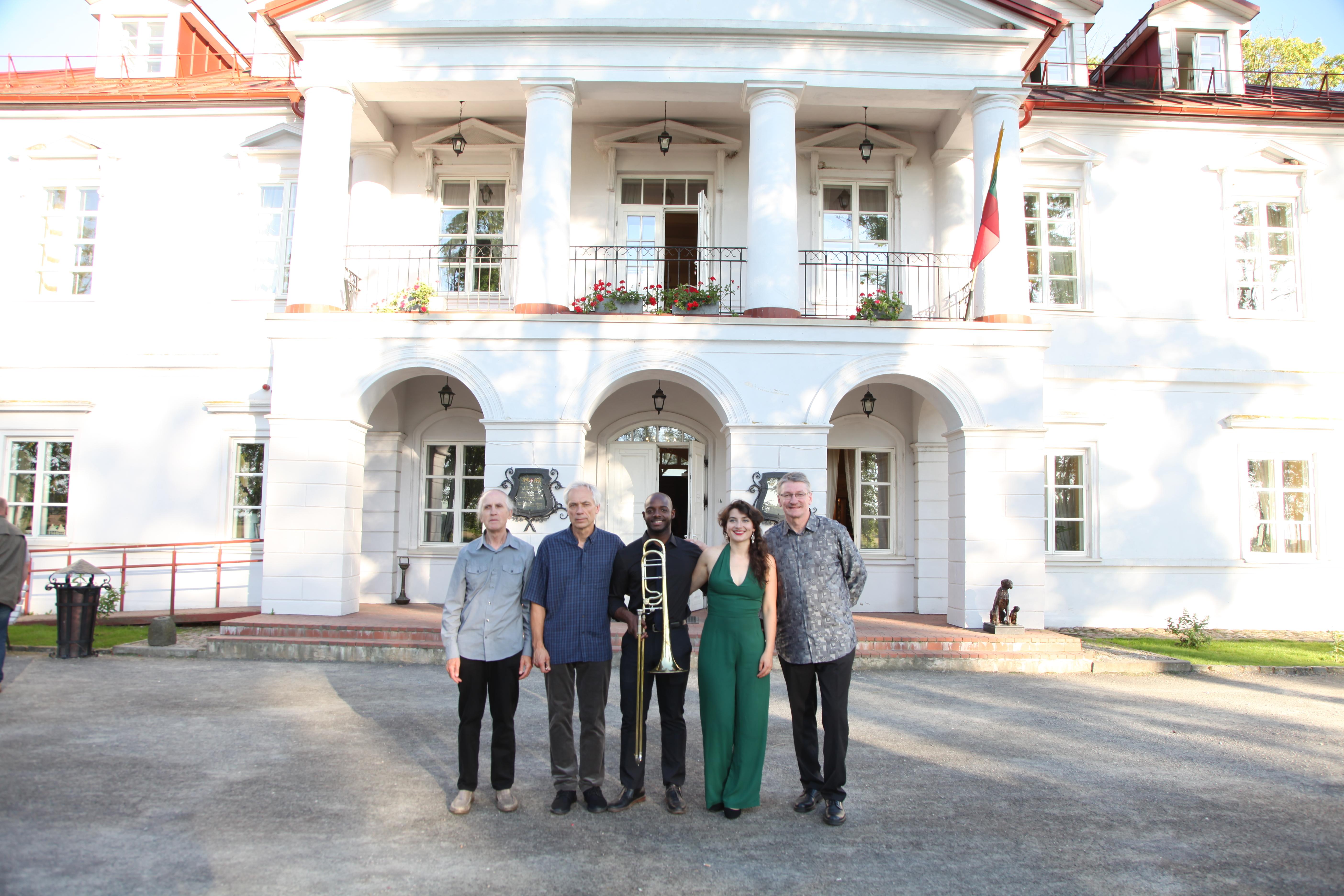 Minns Quintet, Bistrampolis Manor
