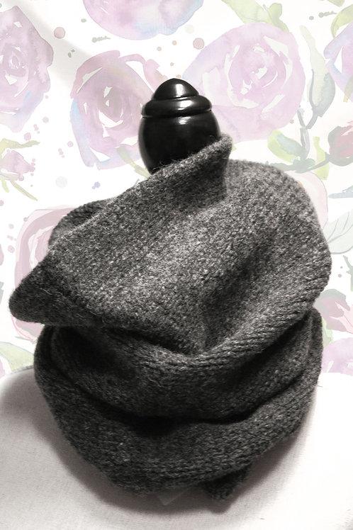 Halskrage mörkgrå